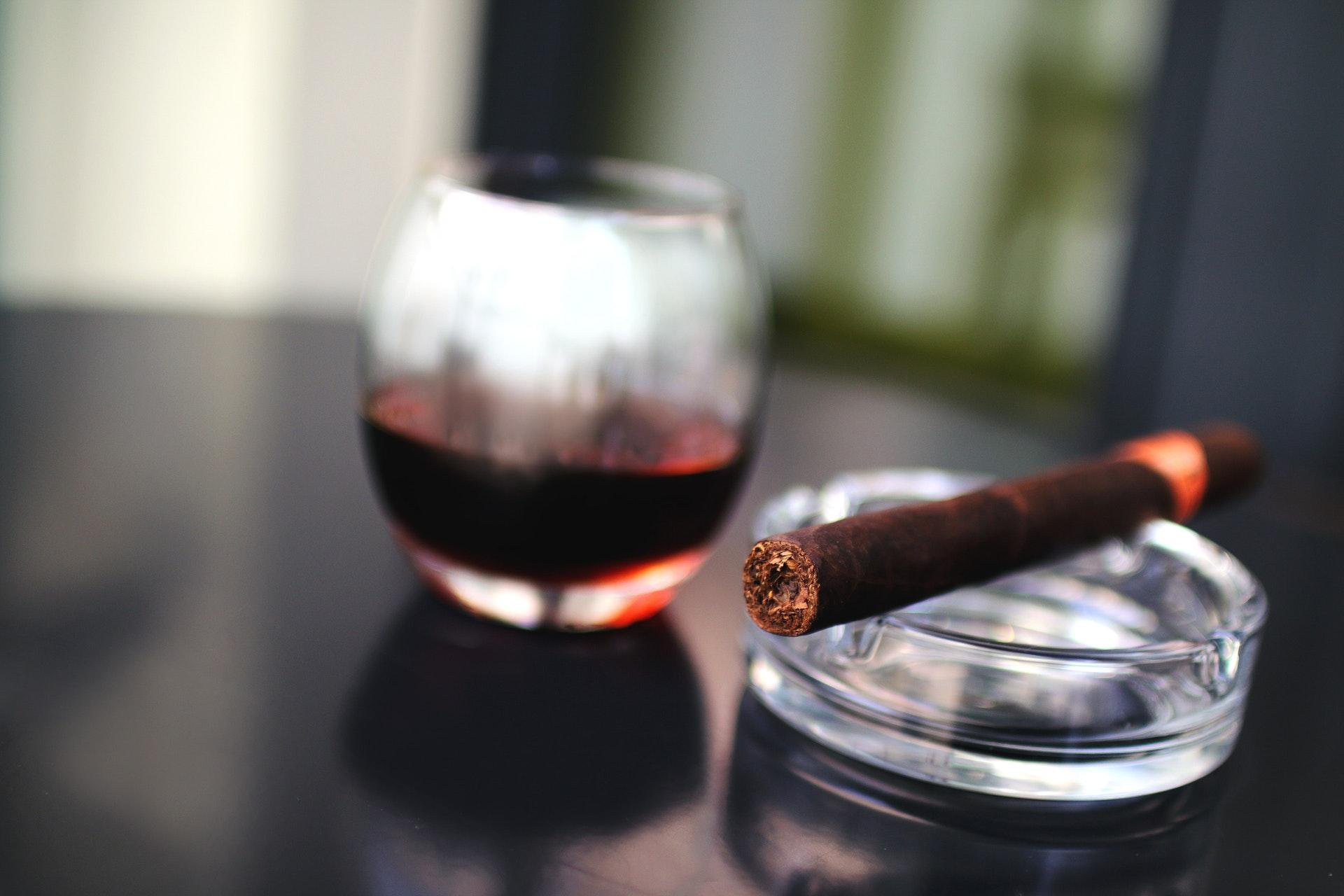 Comment fumer son premier cigare ? [Guide]