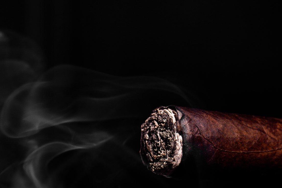 Que dit la cendre sur un cigare ?